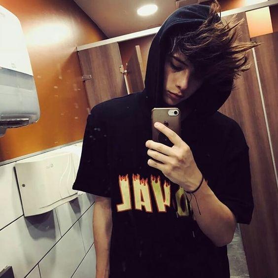 boy selfie,guy selfie,mirror selfies quotes,mirror selfie with flash,best selfie poses for guys,mirror selfie booth,iphone mirror selfie,mirror selfie meme,male selfie poses,selfie photo style boy,cute poses for guys