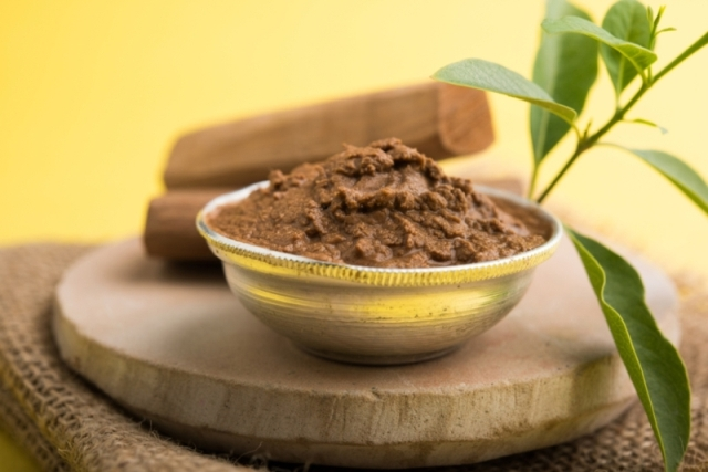 multani mitti,multani mitti Powder,multani mitti In English,multani mitti for pimples,multani mitti for face daily,how to use multani mitti,multani mitti for dry skin,multani mitti face pack for dry skin